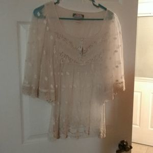 EUC M IVORY LACE FLYING TOMATO ANGEL WING TOP
